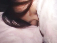 寝ている事をいい事に無防備な素人の寝込みを襲う
