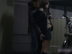 制服女子の援助交際を隠し撮り!時間がないと言うので駐輪場でバックから突いてお尻にぶっかける