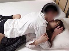 20歳美少女の妊娠覚悟の愛ある中出しセックス